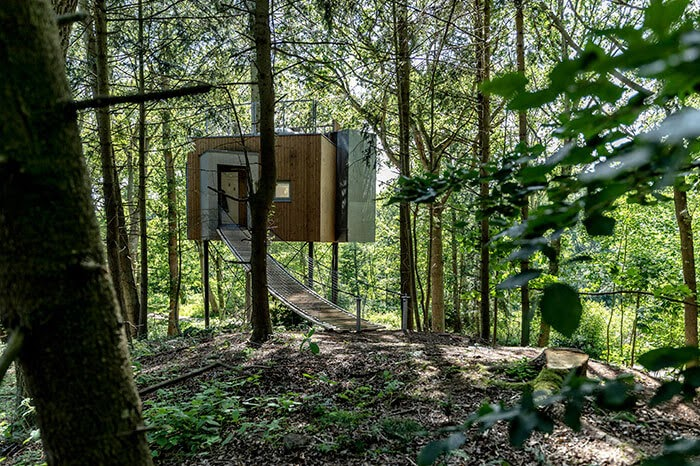 09-Bridge-to-the-House-Architecture-Treetop-Hotel-Tiny-House-www-designstack-co