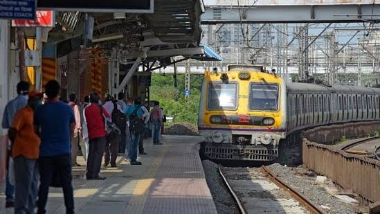 QR Local Pass || Step-by-step Guide to Register and Download QR Code-based Universal Travel Pass to Travel in Mumbai Local Train