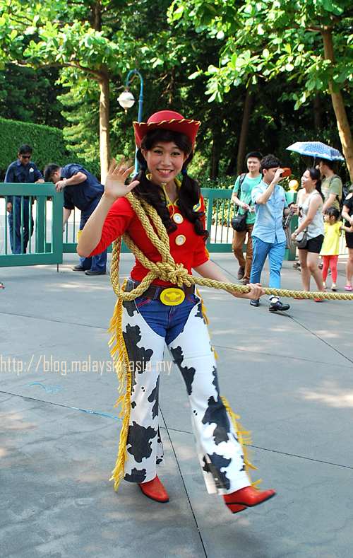 Dancer Hong Kong Disneyland Parade
