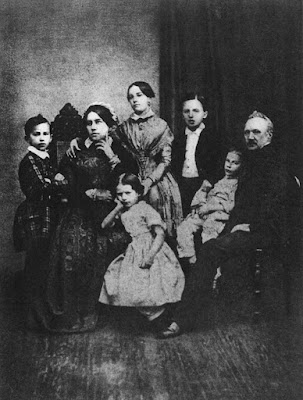 The Tchaikovsky family in 1848. Left to right: Pyotr, Alexandra Andreyevna (mother), Alexandra (sister), Zinaida, Nikolai, Ippolit, Ilya Petrovich (father)