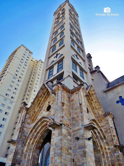 Perspectiva inferior da Paróquia Nossa Senhora Aparecida - Ipiranga - São Paulo