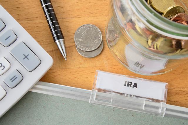 IRA Folder McHenry Savings Bank