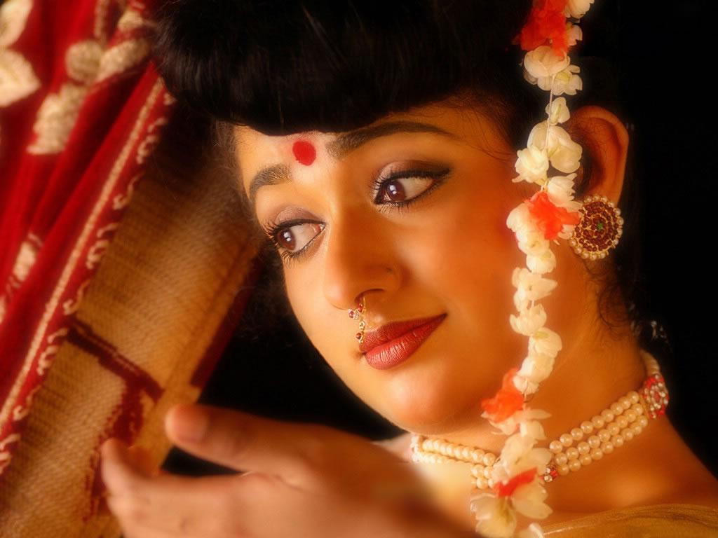 Kavya Madavan Sexy Image