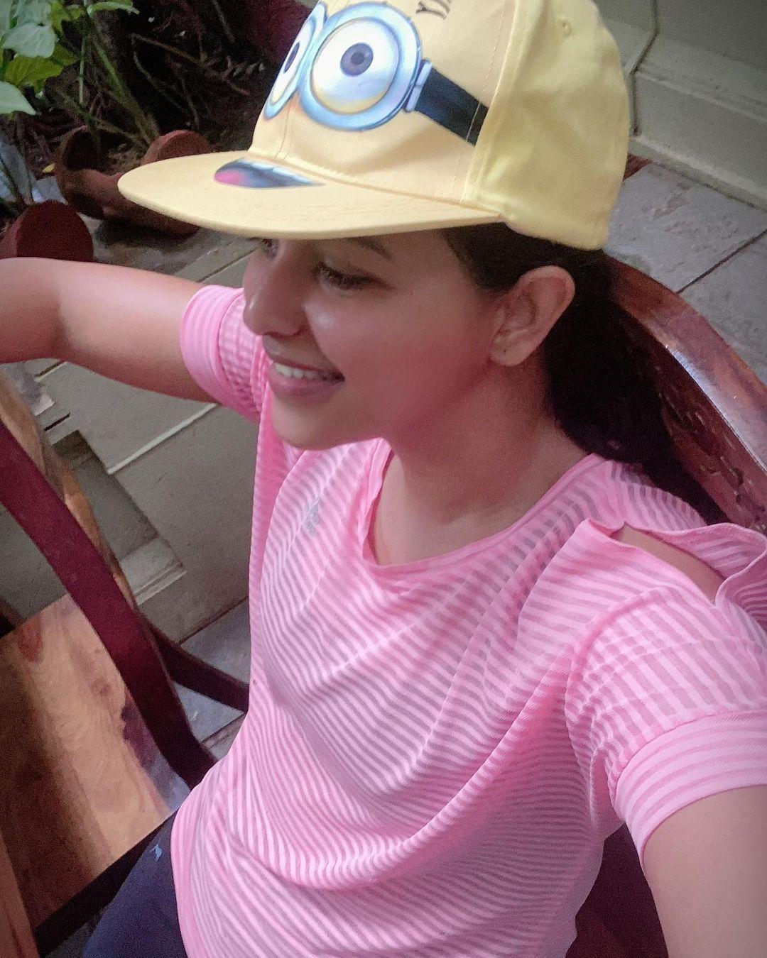 Anjali Pink Dress Last Glomerulars Photos