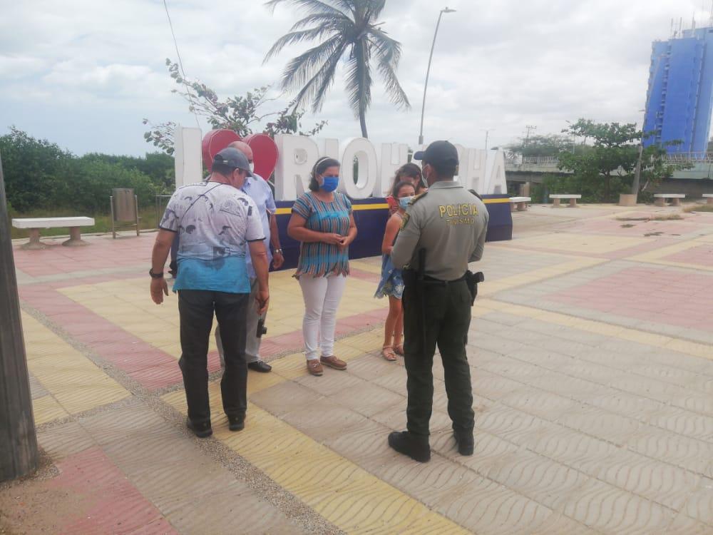 https://www.notasrosas.com/Departamento de Policía Guajira entrega Satisfactorio Balance de Semana Santa