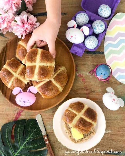 No-knead hot cross buns recipe