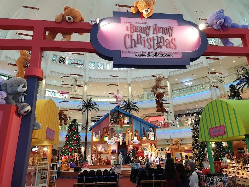 Krismas Bersama Pertubuhan Kebajikan Waja Home di The Curve