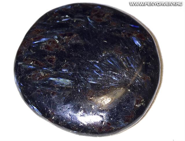 Kristálygyógyászat/Gyógyító kövek: Asztrofillit (Astrophyllite)