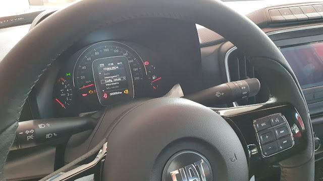 Fiat Strada 2021 Volcano - painel de instrumentos