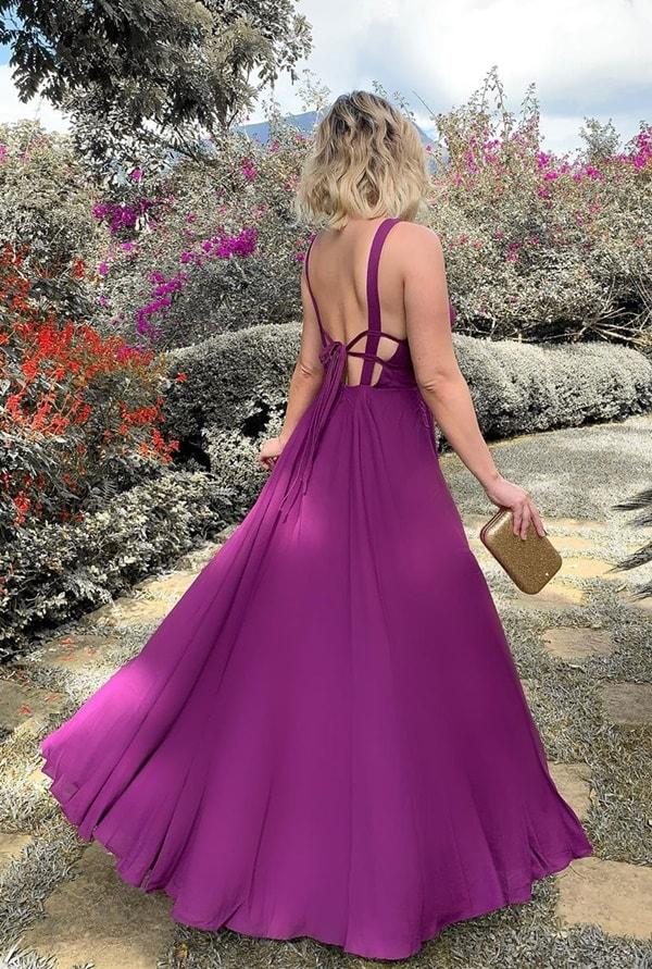 vestido longo cor uva para madrinha de casamento