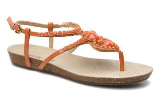 Sandali gioiello: modello con tacco piatto di Geox su Sarenza