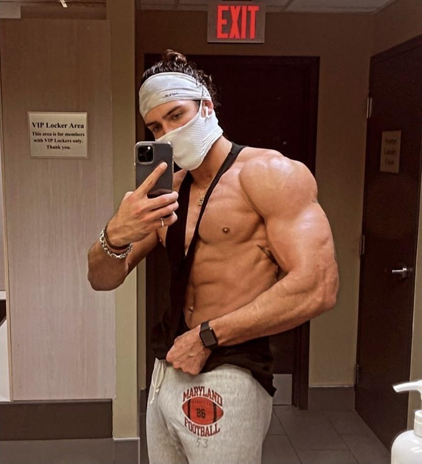 hot-bad-boy-bro-sixpack-abs-selfie-face-mask-strong-biceps