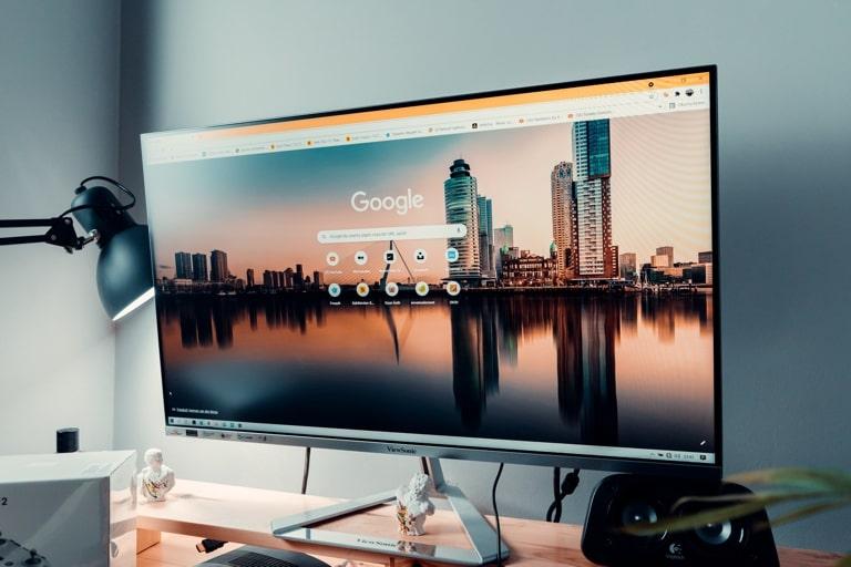 Display of monitor.