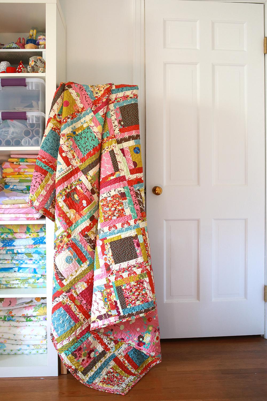 In Color Order Wonderland Log Cabin Quilt