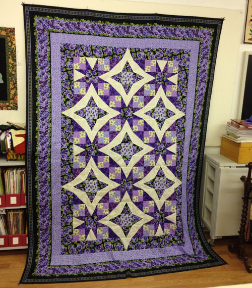Yvonne's Pansies in Paradise Quilt - Free Pattern