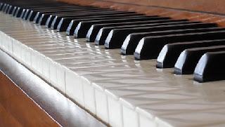 piano temas sencillos principiantes
