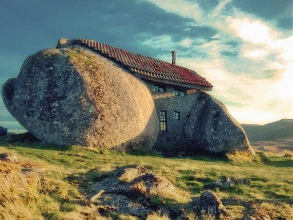 Ngôi nhà đá ở Bồ Đào Nha