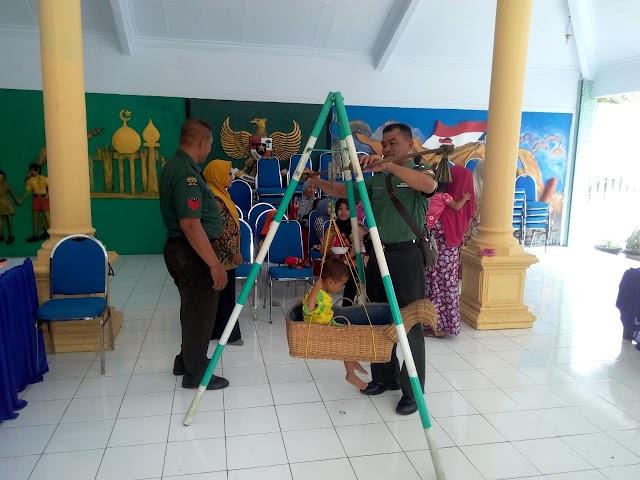 Peduli Kesehatan Anak, TNI Lumajang Kawal Kegiatan Posyandu di Wilayah Teritorial