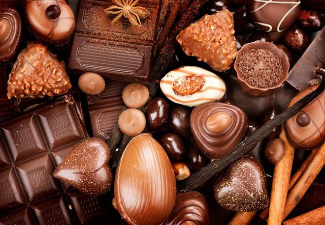 Chocolate escuro pode dar um impulso ao seu cérebro afirma estudos.