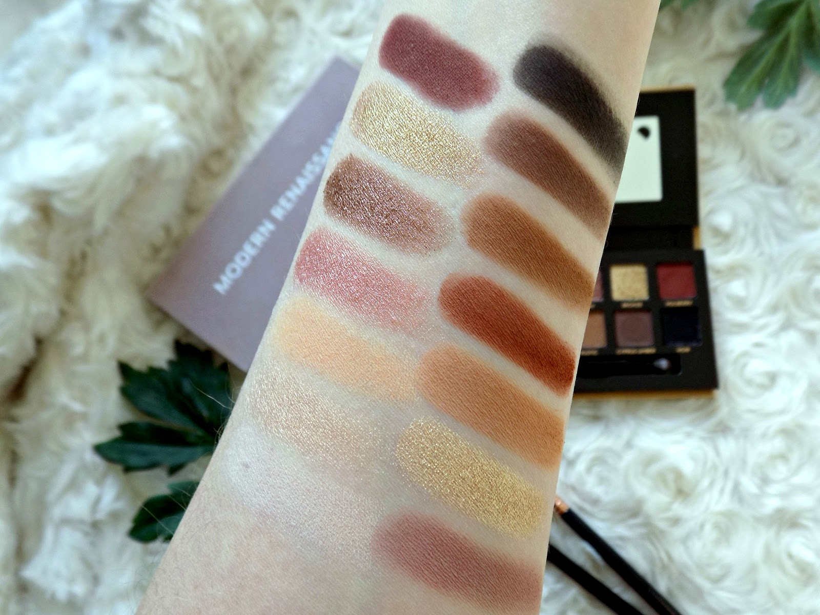 Anastasia Beverly Hills Soft Glam palette swatches
