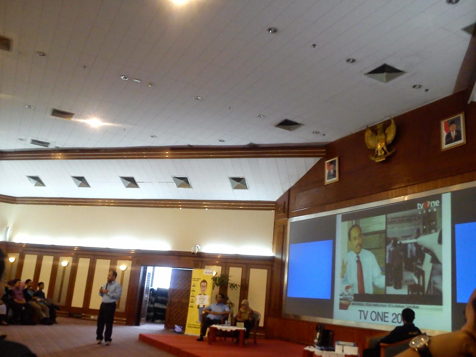 Pak Dedi Dwitagama di Acara Kopdar Akbar Guru Blogger Nasional Bersama Indosat