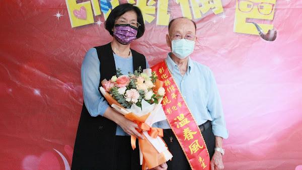 彰化縣模範父親表揚 縣長王惠美到府頒獎祝賀