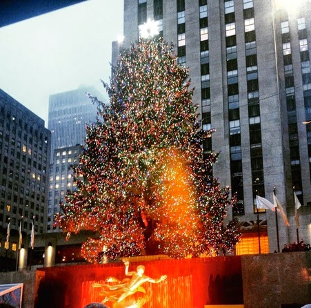 rockefeller christmas tree NYC lighting
