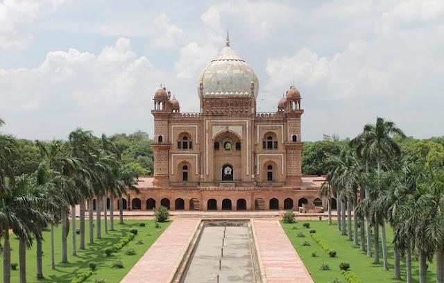 Safdarjung Tomb, Best Places to Visit in Delhi