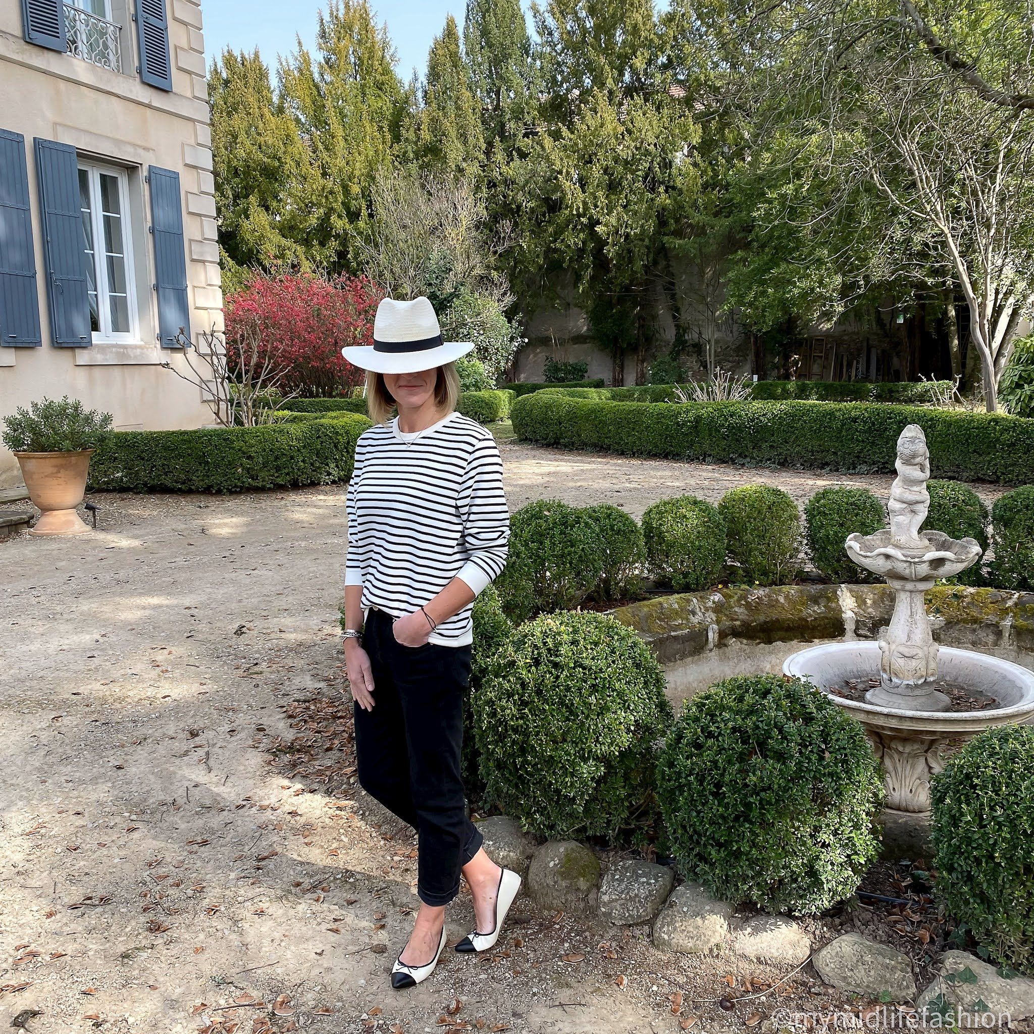 my midlife fashion, baukjen samara organic sweatshirt, baukjen the boyfriend jean, h and m Panama hat, j crew two tone ballet pumps