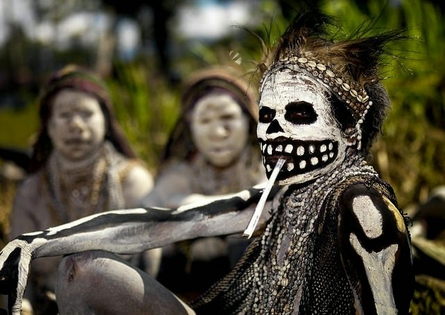 Papua New Guinea woman during a Singsing celebration in Mount Hagen. - The 63 Most Powerful Photos Ever Taken That Perfectly Capture The Human Experience