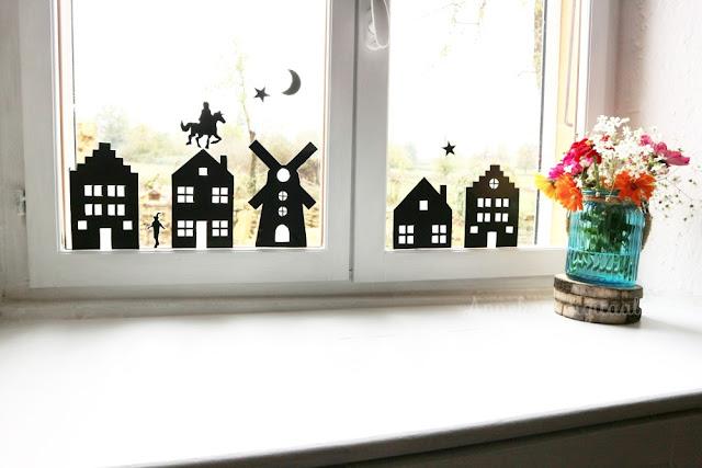 Sinterklaas raamstickers zelf maken, Sinterklaas stickers, sinterklaas raamdecoratie, sinterklaas huisjes sjabloon, werktekening sinterklaas raamhuisjes, huisjes sinterklaas voor het raam, raamstickers sinterklaas diy