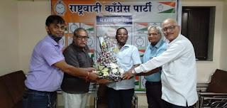 भायंदर के वरिष्ठ पत्रकारों ने किया मोहन मधुकर  पाटील का  सम्मान  | #NayaSaberaNetwork