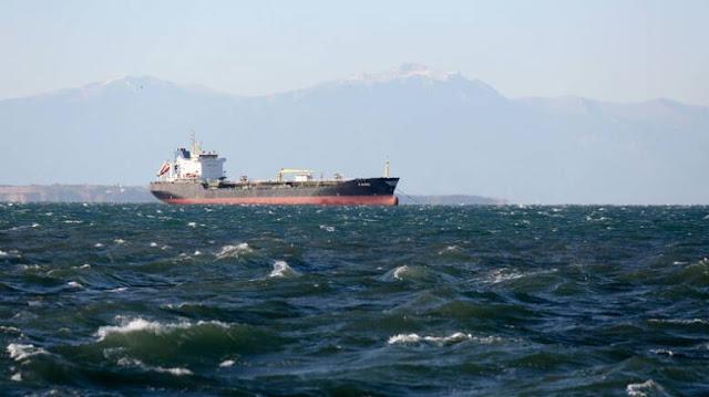 Όμηροι τρεις  Έλληνες ναυτικοί στη Νιγηρία