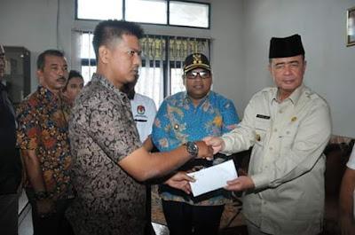Pemprov Sumbar Santuni Keluarga KPPS Padang Pariaman Yang Wafat
