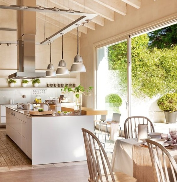 Windows and Natural Light In Kitchens 6