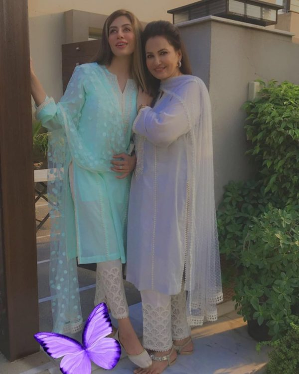 Actress Saba Faisal New Pictures with her Daughter Sadia Faisal