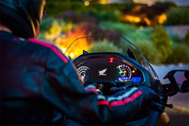 Honda Gold Wing 2021 ganha integração com Android Auto
