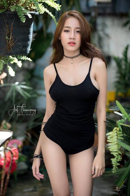 Pichana Yoosuk Diện Nội Y Tông Màu Đen Đầy Nóng Bỏng