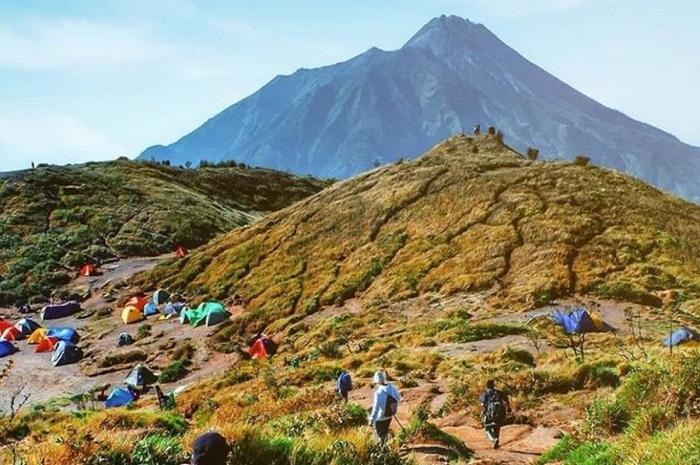 sejarah gunung merbabu