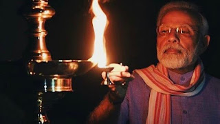 india-lighting-on-modi-call