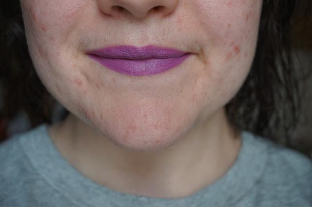 rouge-a-lèvres-violets-revue-avis-swatches-men-love-mystery-mac