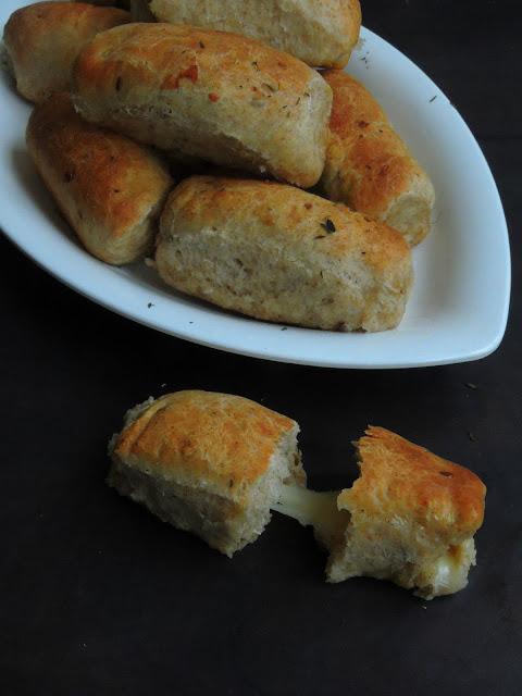 Mozzarella Bread Sticks, Eggless Mozzarella Bread Sticks