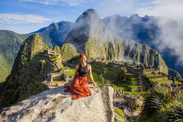 دليل السفر والمغامرة (مرشد سياحي)