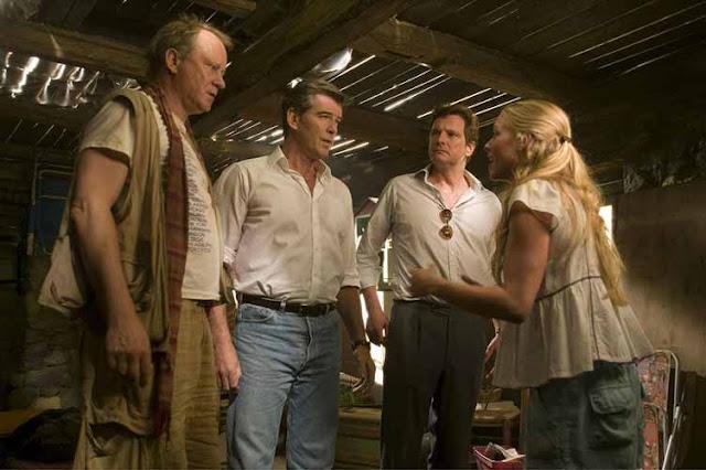 Mamma Mia - أم وإبنة وثلاثة أباء! الكثير من الحب والدفء والإبداع.. أفلام توضح لنا  كيف تناولت السينما الأمومة والحياة الأسرية بشكل عام