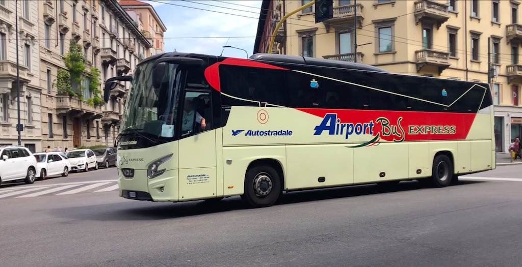 Public Transport Airport bus to Malpensa from Milan