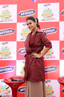 Kajol Looks super cute at the Launch of a New product McVites on 1st April 2017 05.JPG