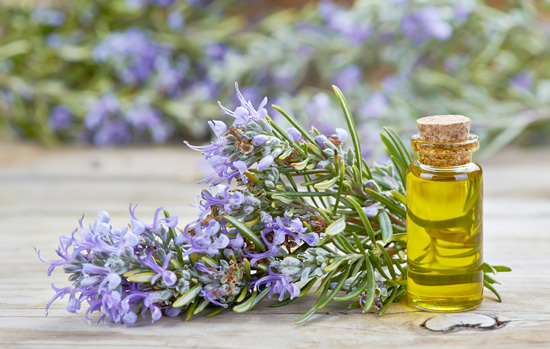 ESSENTIAL OILS THAT NATURALLY IMPROVE YOUR MOODS