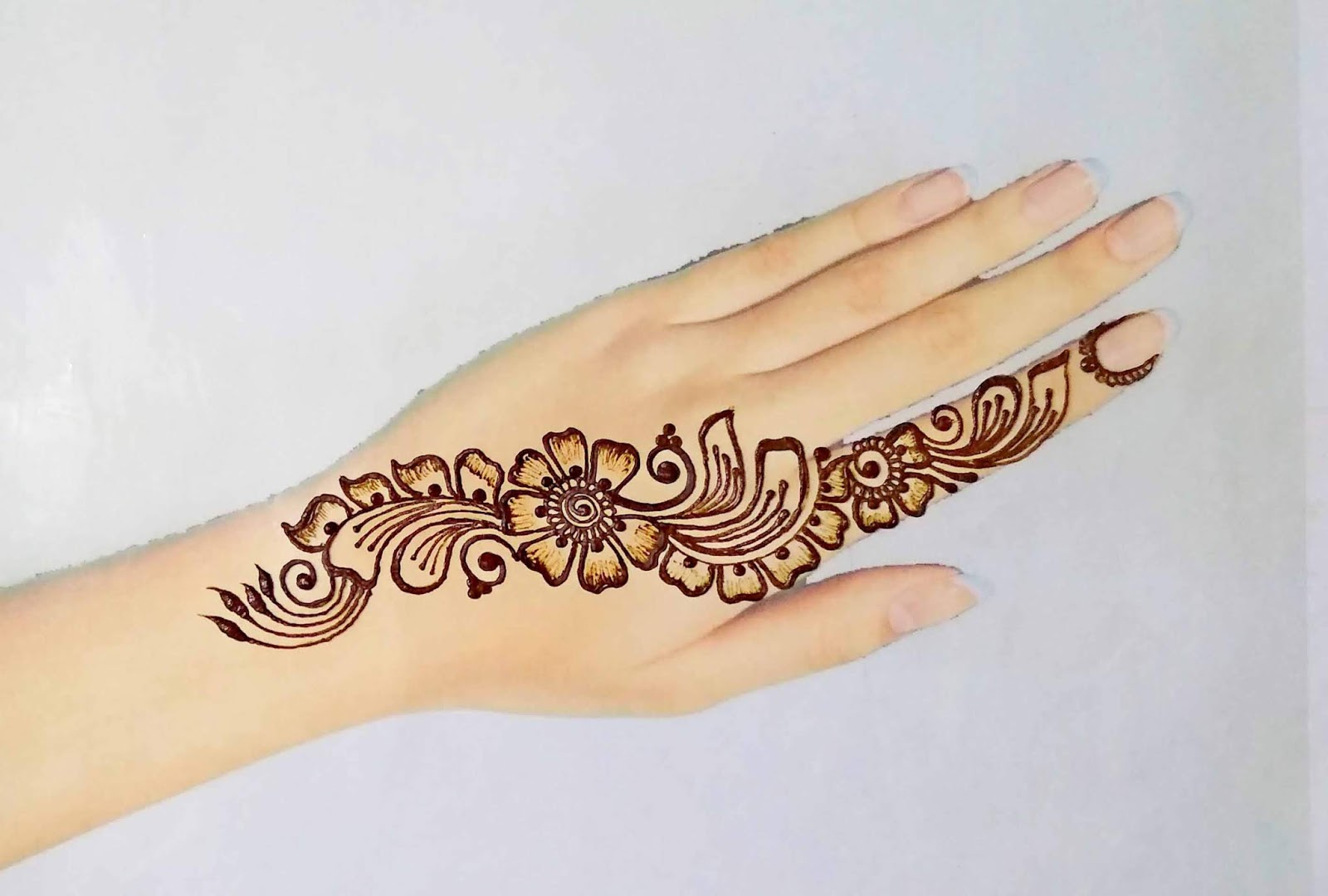 Simple Arabic Design for Girls