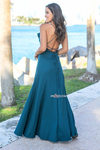 Simple Spaghetti Strap V-Neck Front Split Prom Dress | Ruffles Sleeveless Long Evening Gown