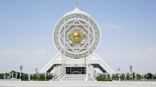 The biggest indoor Ferries Wheel in the world is in Turkmenistan